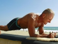 Marine vet aims for world 'planking' record